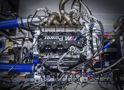 BMW_DTM_Engine_2.jpg